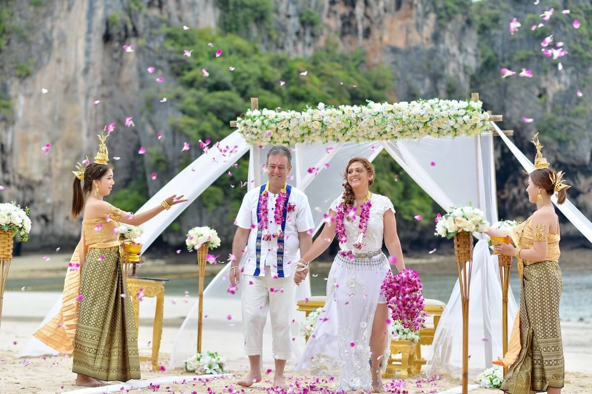 Wedding Ceremony Packages: Railay Bay Beach Wedding Package : Valeria + Marcello