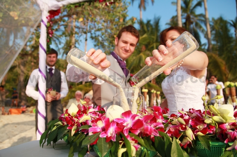 8 Non Religious Wedding Readings For Couples With Taste: Koh Tao Beach Wedding Package : Jessica + William