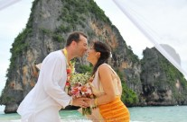 Railay Beach Buddhist Blessing : Silvia + Miguel