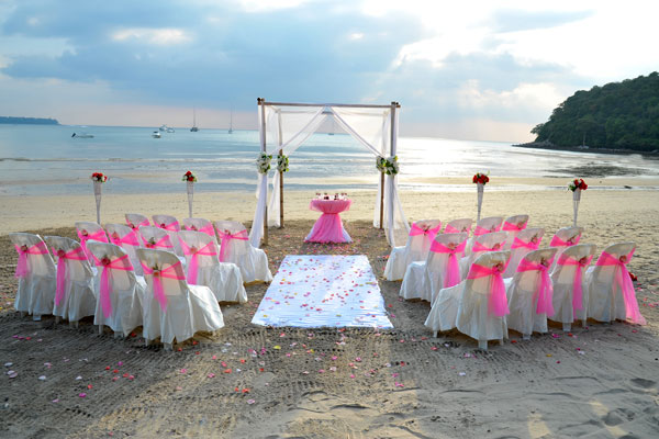 Beach Wedding Ceremony Packages Venue 10 : Phuket, Thailand